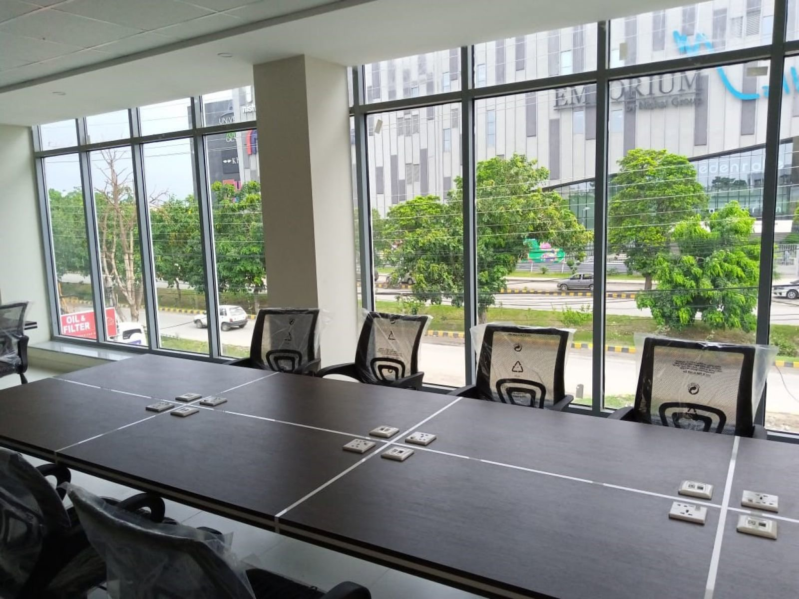 HotDesk Shared Offices & Coworking Space / Asia / Pakistan / Lahore