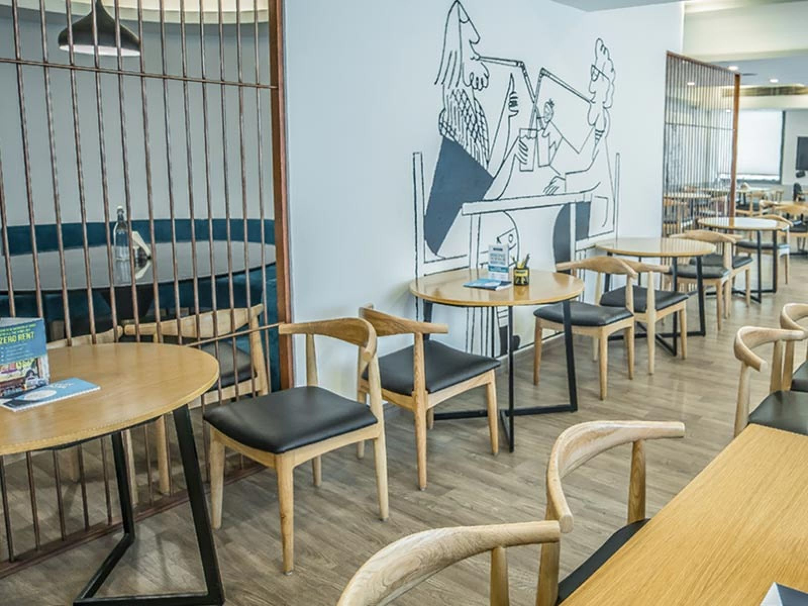 OYO Townhouse Cafe Curryhut - myHQ Coworking Cafe / Asia / India / Delhi
