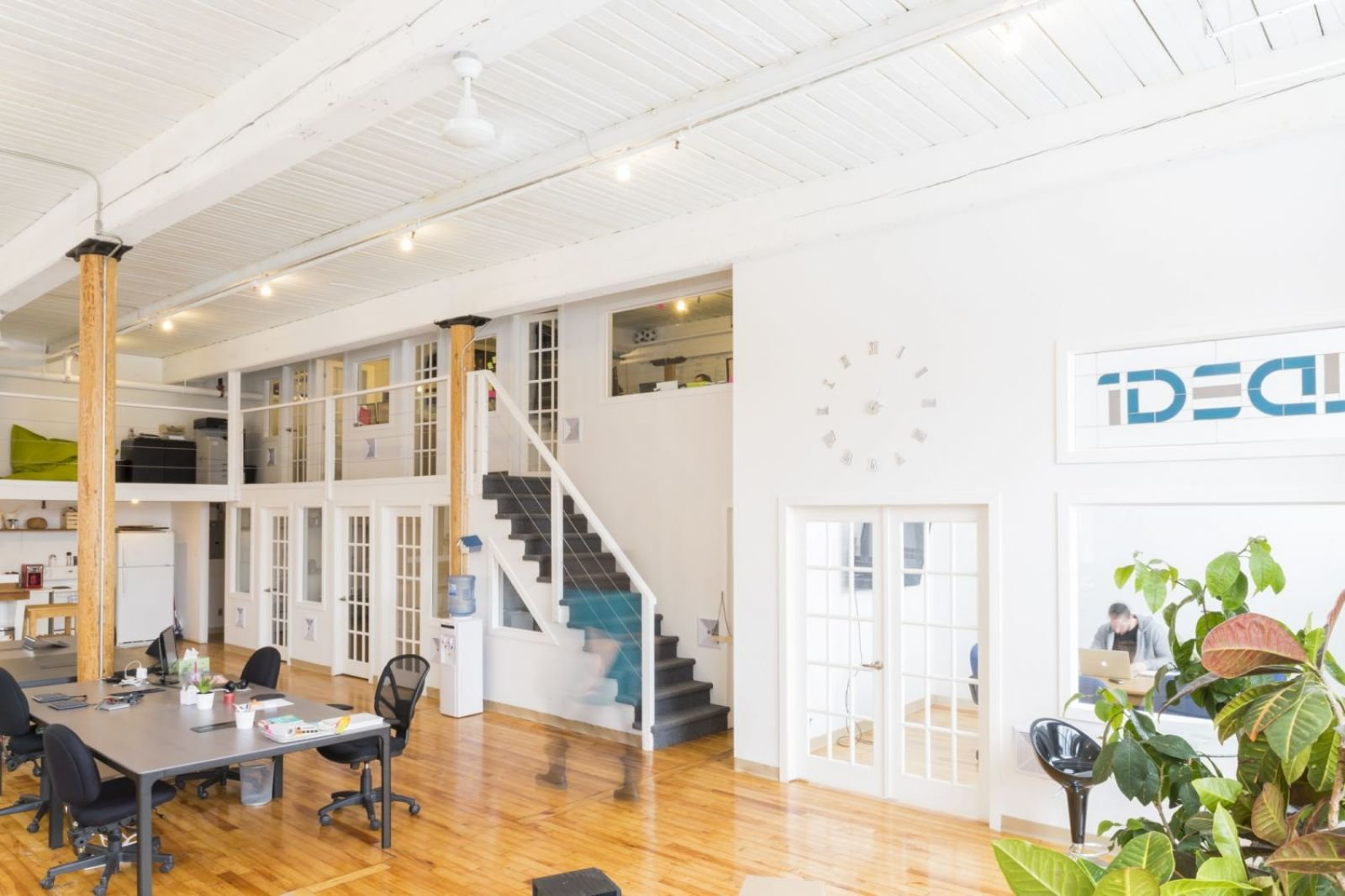 Ideal Coworking / North America / Canada / Montreal