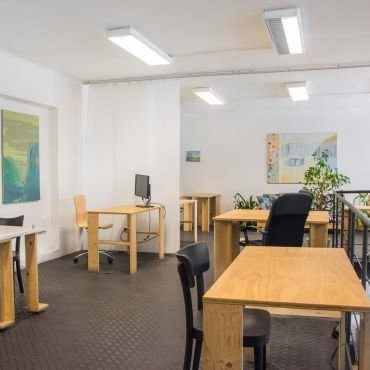 4/4 Coworking area in Large Pracovna