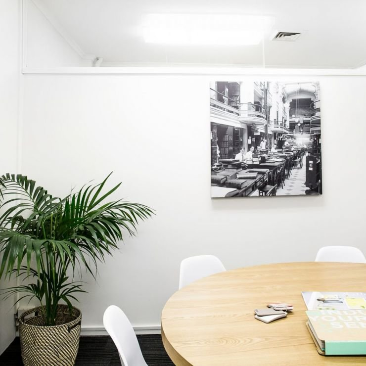 6/12 medium meeting room
