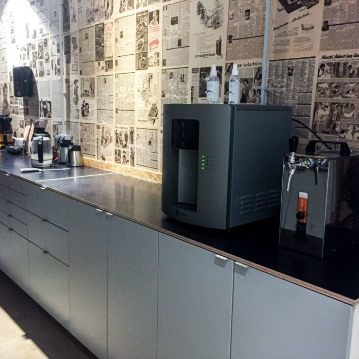 3/5 kitchen with water, Coffee, Apples and beer for free