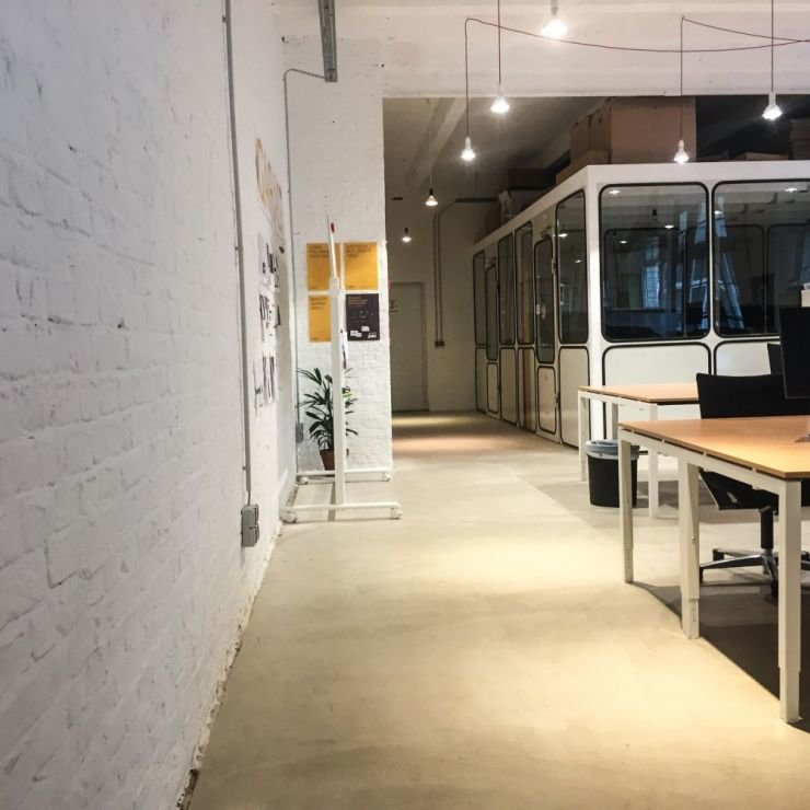 4/5 coworking spaces an conference rooms